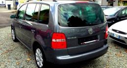 Zdjęcie Volkswagen Touran 1.9 TDI Highline