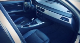Zdjęcie BMW  318  2.0 i 129 KM
